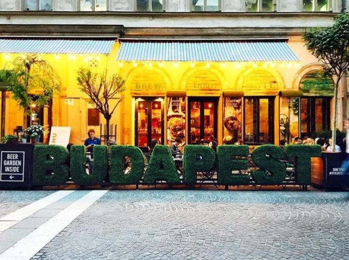 Budapest cafe